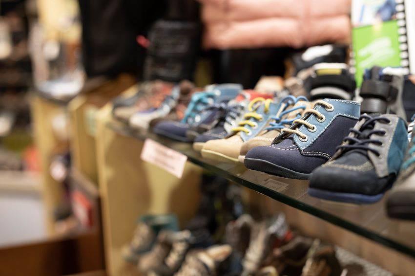City : chaussures et prêt-à-porter homme, femme et enfant