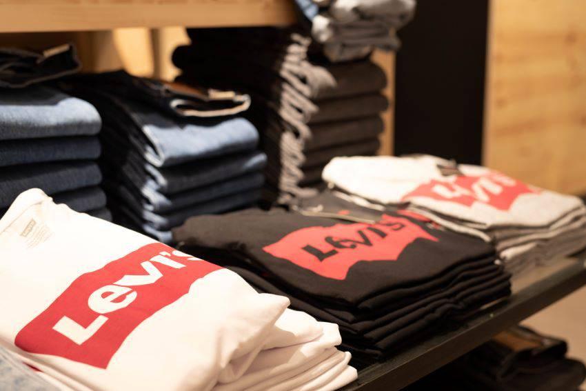 Levi's : vêtements & accessoires tendances