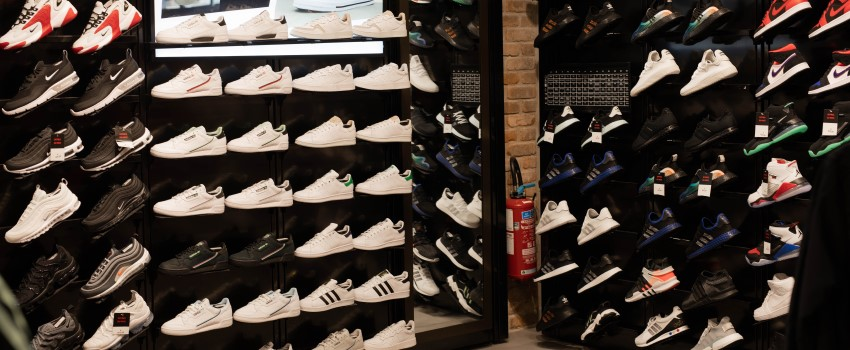 Foot Locker Shop'in Witty - Chaussures, baskets et vêtements